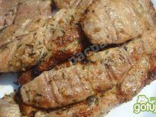 Karkówka czosnkowo-tymiankowa na grilla