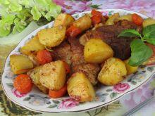 Karkówka pieczona w warzywach