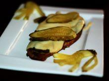 Karkówka z pieca z serem i ogórkiem