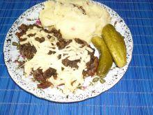 Karkówka z pieczarkami i serem