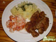 Karkówka z ziemniakami i surówką
