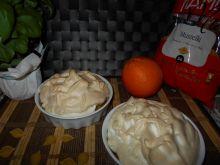 Karmelizowany makaron pod bezową pierzynką