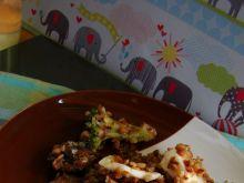 Kasza gryczana z brokułem i mozzarellą