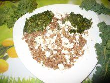 Kasza gryczana ze szpinakiem i serem