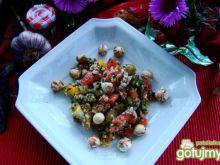Kasza z orzechami laskowymi i warzywami