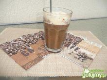 Kawa mrożona z lodem na patyku