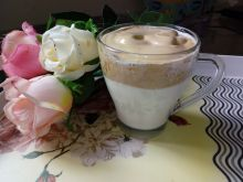 Kawa po koreańsku (dalgona coffee)