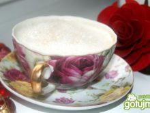 Kawa różana ze śmietanką