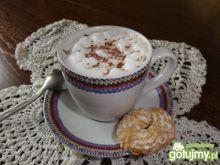 Kawa ze mlekiem i cynamonem