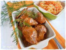 Kawałki wieprzowiny w pomidorowym sosie