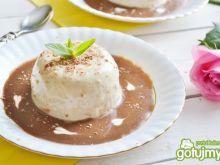 Kawowa panna cotta z soem czekoladowym