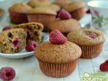 Kawowe muffinki z malinami