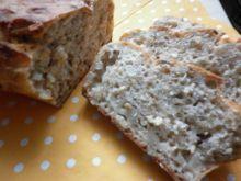 Kefirowo - maślankowy chlebek na miodzie