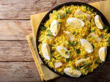 Kedgeree – jednogarnkowe danie z ryżu i wędzonej ryby