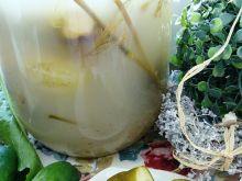 Kiszone ogórki z zielem angielskim