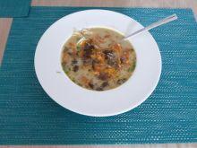 Klasyczna jesienna zupa grzybowa z podgrzybków