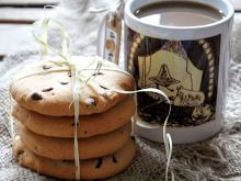 Klasyczne chocolate chip cookies