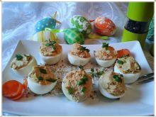 Klasyczne jajka z chrzanem i szynką