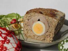 Klops z jajkami i polędwicą