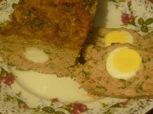 Klops z jajkiem i zieloną pietruszką