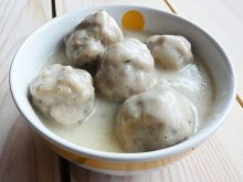 Klopsiki w sosie grzybowo- śmietanowym