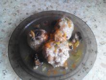 Klopsiki w sosie marchewkowo-pieczarkowym