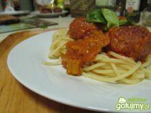 Klopsiki w sosie pomidorowo-pieczarkowym
