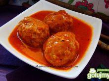 Klopsiki w sosie pomidorowym z bazylią
