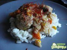 Klopsiki w sosie śmietanowym z warzywami