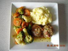 Klopsy z warzywami i puree