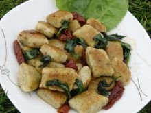 Kluseczki serowe ze szpinakiem