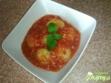 Kluseczki w sosie pomidorowo drobiowym