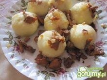 Kluski kartoflane z nadzieniem kurkowym
