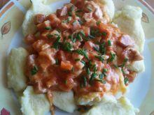 Kluski z sosem serowo - pomidorowym