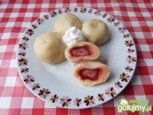 Knedle ziemniaczane truskawkami