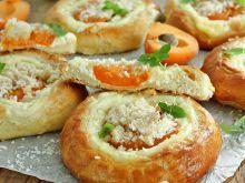 Kokosowe szneki z serem i morelą