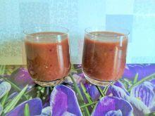 Koktajl arbuzowy z jeżynami i mirabelkami