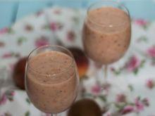 Koktajl: brzoskwinia, truskawka, kiwi