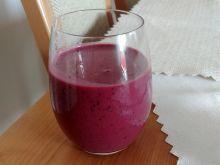 Koktajl jagodowo - borówkowo - truskawkowy