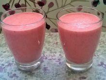 Koktajl jogurtowy ananasowo - truskawkowy