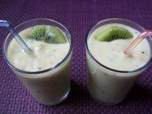Koktajl kiwi -bananowy z awokado