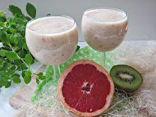 Koktajl owocowy z grejpfrutem i kiwi