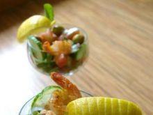 Koktajl sałatkowy z krewetkami chili