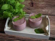 Koktajl truskawkowo borówkowy z selerem naciowym