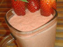 Koktajl truskawkowy na jogurcie naturalnym