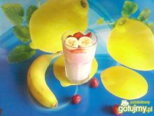 Koktajl z banana i truskawek