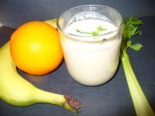 Koktajl z pomarańczą i selerem naciowym