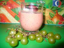 Koktajl z winogronem, dynią i borówkami