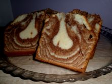 Kolorowa babka z białek