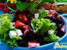 Kolorowa sałata z serem patros